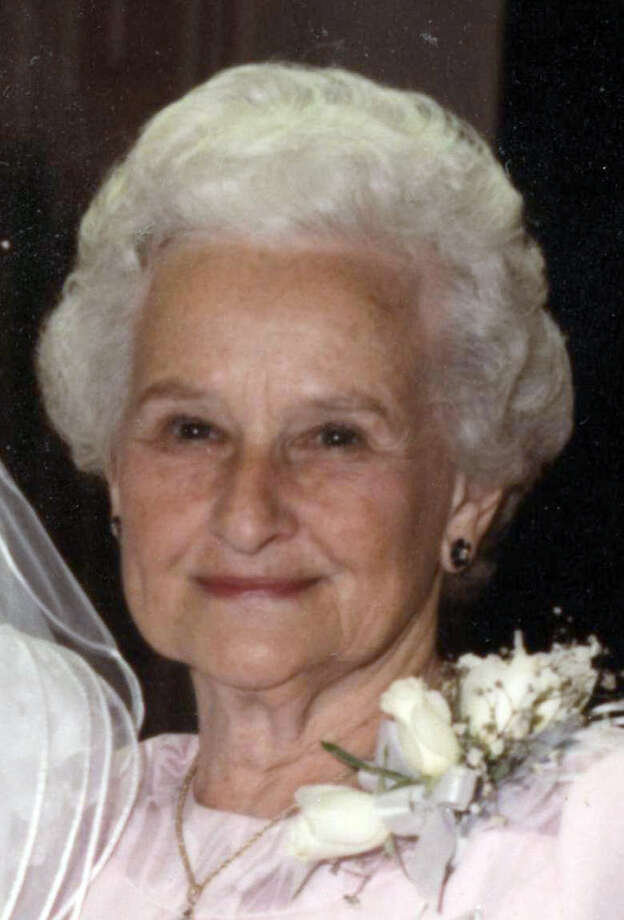 Ruth Dyer Hammond, called 'the epitome of Southern charm,' died at 94.