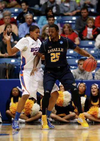 Jerrell Wright #25 of La Salle drives against Ryan Watkins #0 of Boise State. Photo: Gregory Shamus, Getty Images / 2013 Getty Images