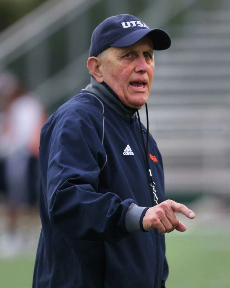 UTSA Head Coach Larry Coker during a practice on Wednesday, March 20, 2013 at Farris Stadium. Photo: Bob Owen, San Antonio Express-News / San Antonio Express-News