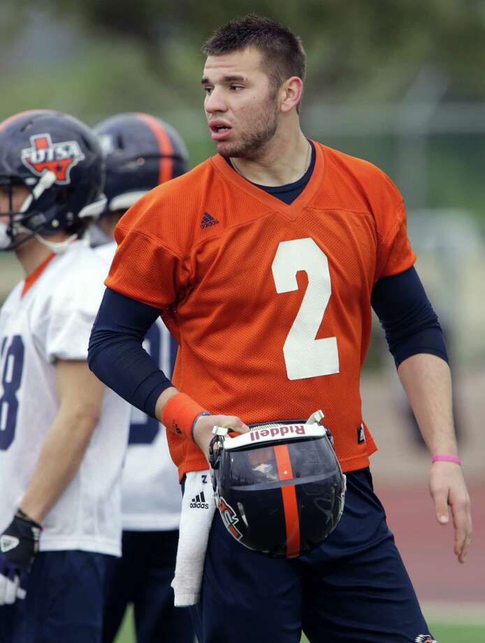 UTSA quarterback Zach Conque during a practice on Wednesday, March 20, 2013 at Farris Stadium. Photo: Bob Owen, San Antonio Express-News / San Antonio Express-News