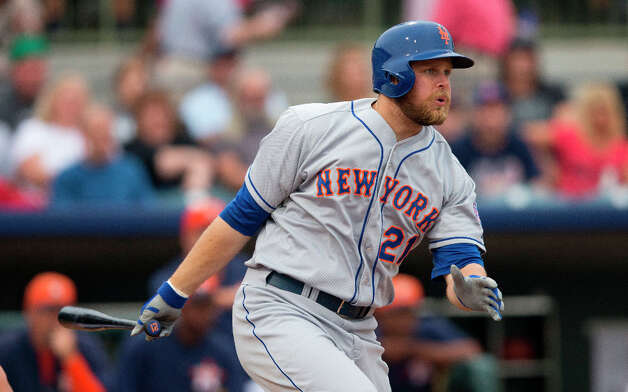 Lucas Duda bats during the second inning. Photo: Evan Vucci, Associated Press / AP
