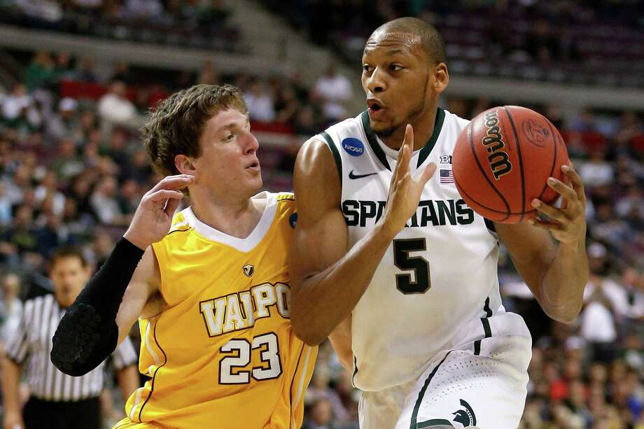 Michigan State 65, Valparaiso 54Michigan State's Adreian Payne drives to the basketball during Thursday's win at The Palace of Auburn Hills in Auburn Hills, Michigan. Photo: Gregory Shamus, Getty Images / 2013 Getty Images