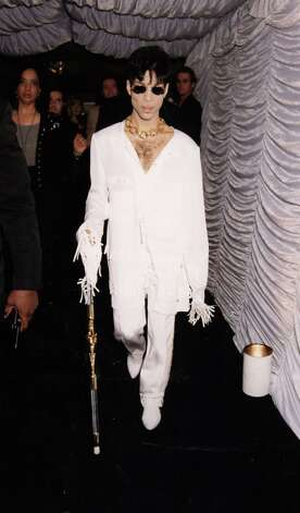 Singer Prince at the Roundhouse to launch VH1 music channel on September 03, 1994 in London, England. Photo: Dave Benett, Getty Images / 1994 Getty Images