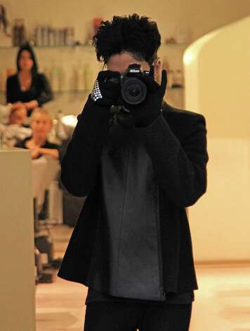 Prince seen leaving an hairdressers on Via Della Vite on November 2, 2010 in Rome, Italy. Photo: Gisele Tellier, Getty Images / 2010 Gisele Tellier