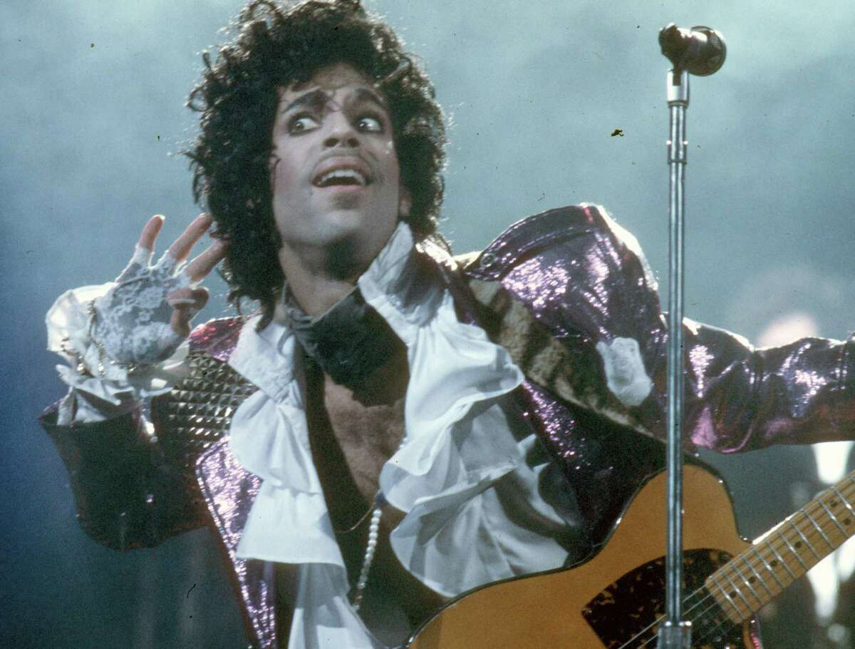 INGLEWOOD - FEBRUARY 19: Prince performs live at the Fabulous Forum on February 19, 1985 in Inglewood, California.