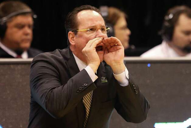 Head coach Gregg Marshall of the Wichita State Shockers calls out in the second half while taking on the Pittsburgh Panthers. Photo: Streeter Lecka, Getty Images / 2013 Getty Images