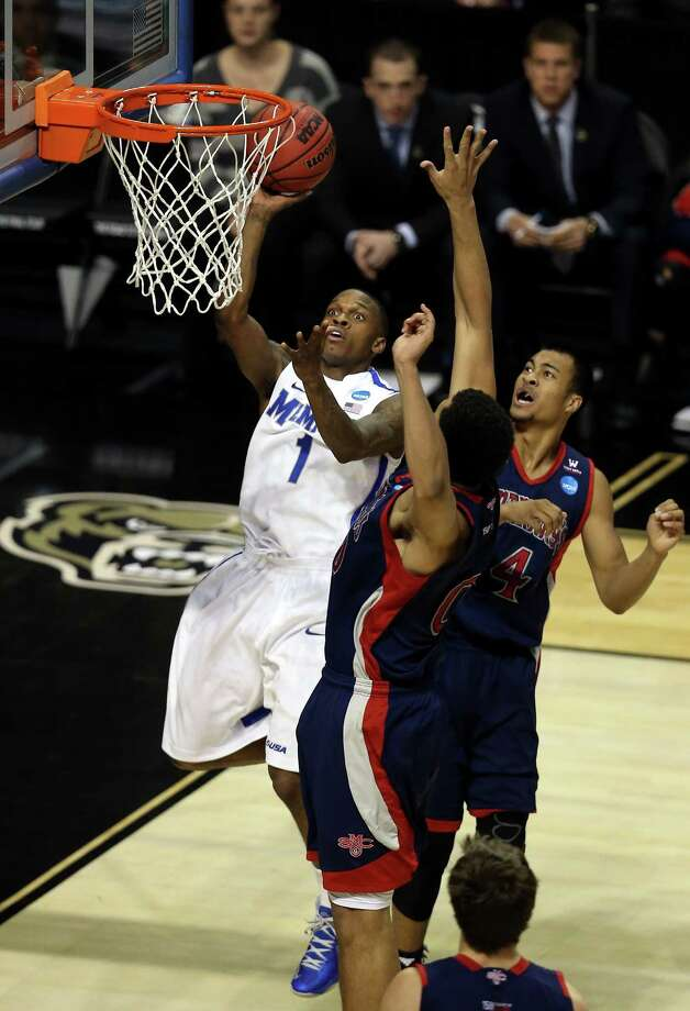 Memphis 54, Saint Mary's 52 Joe Jackson and the Tigers were fortunate to fend off the Gaels on Thursday. Photo: Jonathan Daniel, Getty Images / 2013 Getty Images