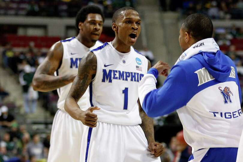 Joe Jackson #1 of the Memphis Tigers reacts in the first half against the St. Mary's Gaels during th