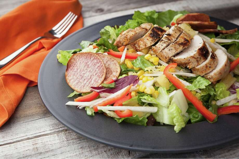 Ensalada Verde with Grilled Chicken