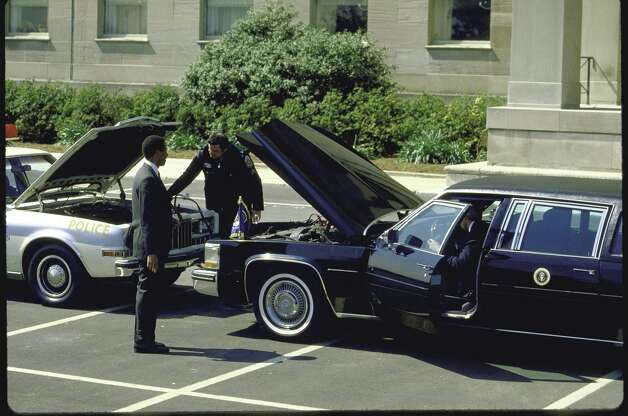 The presidential limo experienced some sort of breakdown on April 1, 1987. Photo: Cynthia Johnson, Time & Life Pictures/Getty Image / Cynthia Johnson