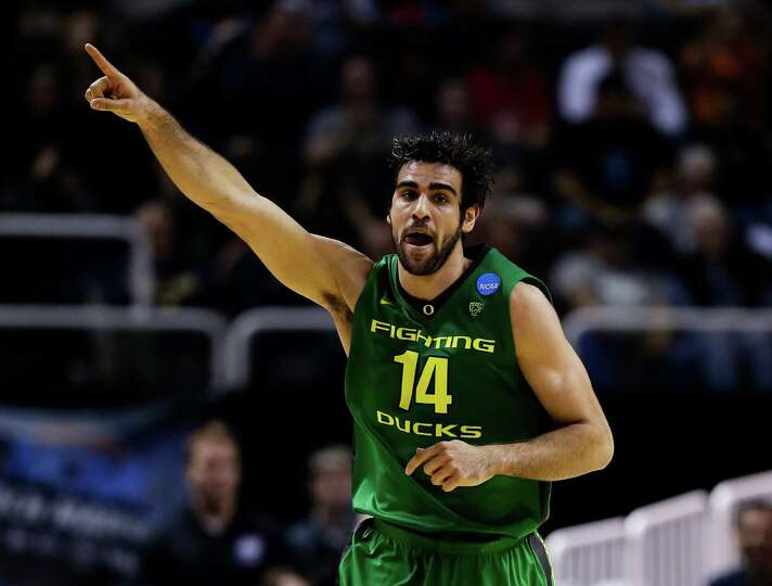 SAN JOSE, CA - MARCH 21:  Arsalan Kazemi #14 of the Oregon Ducks reacts in the first half against th