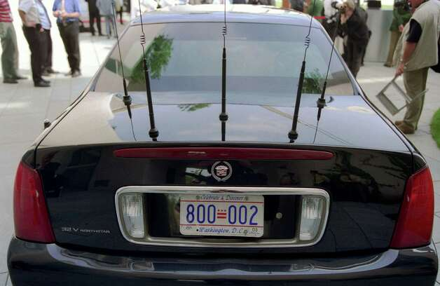 But President George W. Bush opted for different plates. Photo: Ulrich Baumgarten, U. Baumgarten Via Getty Images / 2002 Ulrich Baumgarten