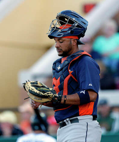 Astros catcher Carlos Corporan gets ready for the next pitch. Photo: Carlos Osorio, Associated Press / AP