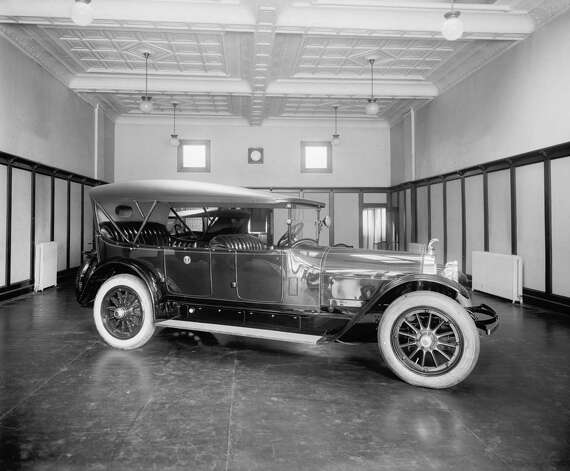 "President Warren G. Harding's then new $9,000 White House ""locomobile"" is pictured in 1921. Photo: Library Of Congress, Getty Images / Archive Photos"