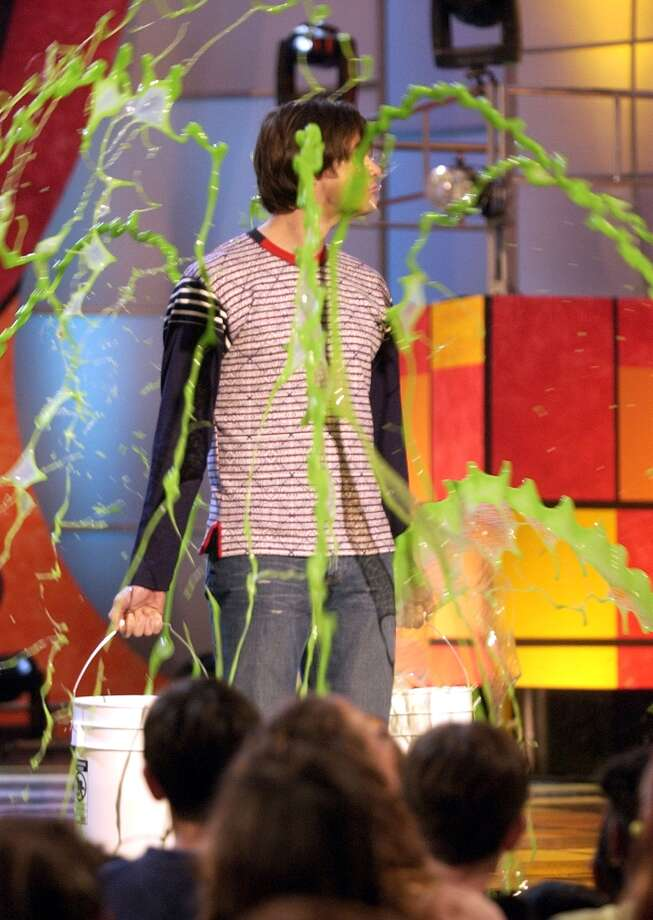 Jim Carrey getting slimed during Nickelodeon's 16th Annual Kids' Choice Awards 2003. Photo: KMazur, WireImage / WireImage