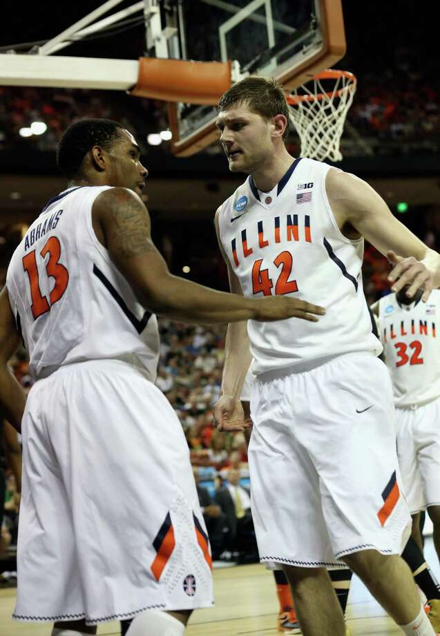 Tyler Griffey #42 and Tracy Abrams #13 of the Illinois Fighting Illini celebrate against the Colorado Buffaloes during the second round. Photo: Stephen Dunn, Getty Images / 2013 Getty Images