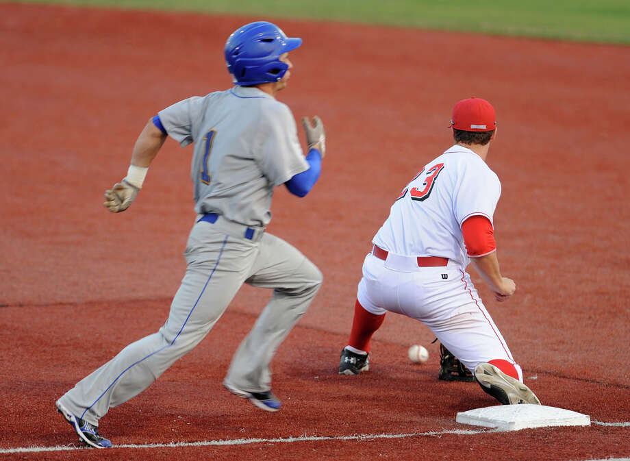 Lamar's Brad Picha takes out a McNeese runner at first base at Vincent Beck Stadium Friday night. Photo taken Friday, March 22, 2013 Guiseppe Barranco/The Enterprise Photo: Guiseppe Barranco, STAFF PHOTOGRAPHER / The Beaumont Enterprise