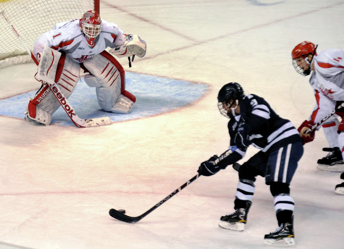 Sacred Heart Men's Hockey takes on Holy Cross at Webster Bank Arena in Bridgeport on Friday and Saturday. Find out more.
