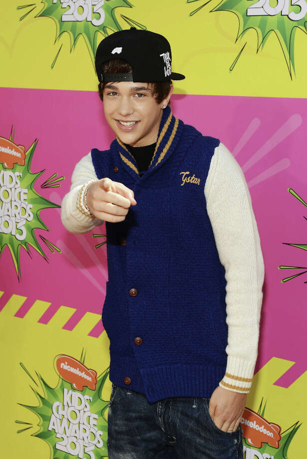 Singer Austin Mahone arrives at Nickelodeon's 26th Annual Kids' Choice Awards at USC's Galen Center on March 23, 2013 in Los Angeles. Photo: Mark Davis, Getty Images For KCA / 2013 Getty Images