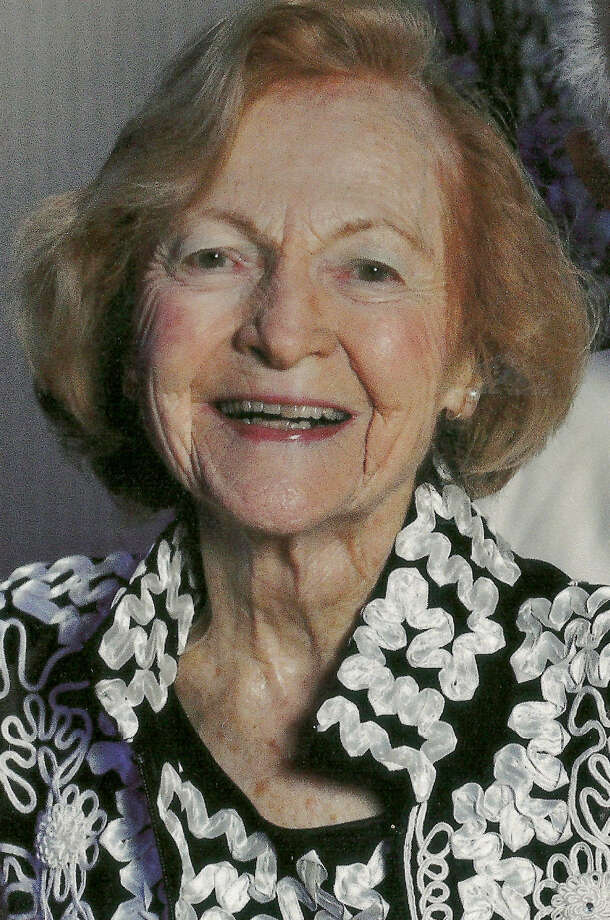 Elizabeth Forsberg joined the Navy in 1949 and treated soldiers wounded in the Korean War.