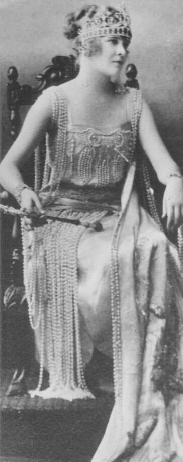 1922, Eugenia Taylor: Queen of the Court of Aladdin. Photo: San Antonio Express-News File Photo