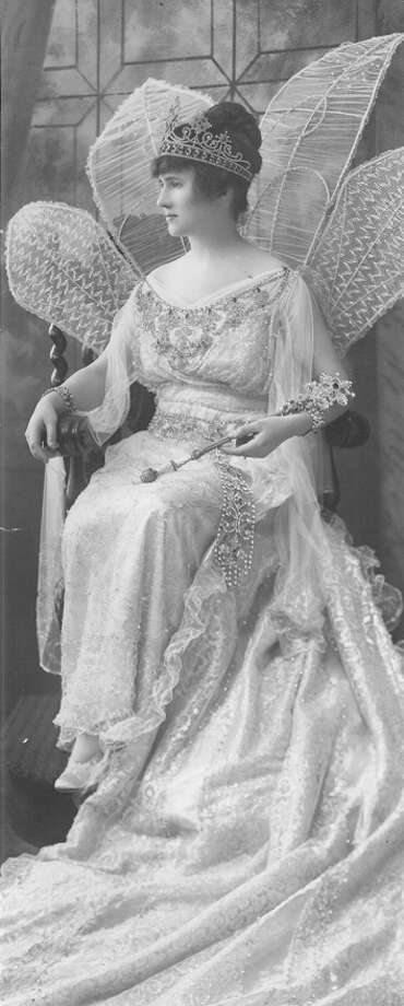1916, Katherine McGown: Queen of the Court of Fairies. Photo: San Antonio Express-News File Photo
