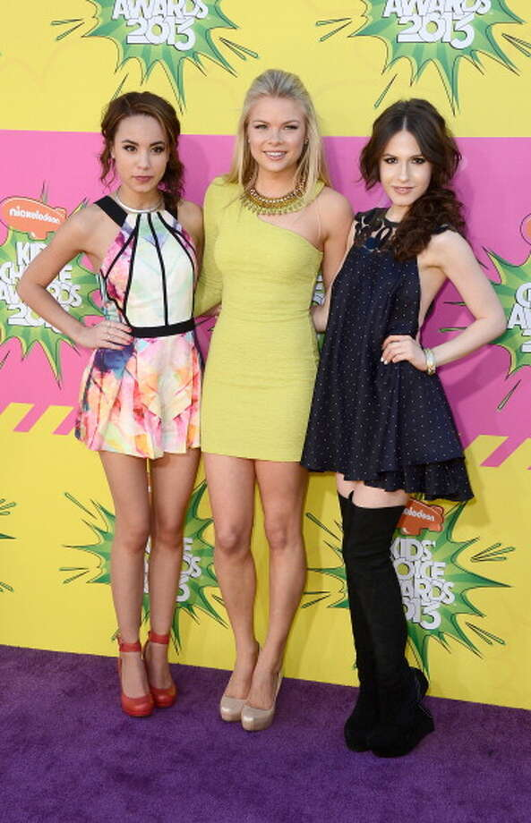 LOS ANGELES, CA - MARCH 23:  (L-R) Actresses  Savannah Jayde, Kelli Goss and Erin Sanders arrive at Nickelodeon's 26th Annual Kids' Choice Awards at USC Galen Center on March 23, 2013 in Los Angeles, California.  (Photo by Frazer Harrison/Getty Images) Photo: Frazer Harrison, Getty Images / Getty Images