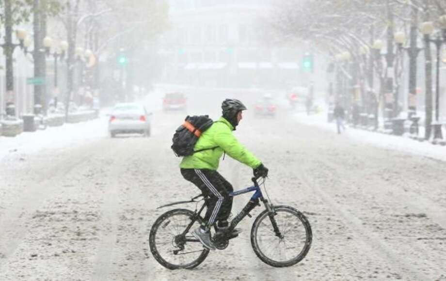 Are undeterred by snow.  Photo: Joshua Trujillo / seattlepi.com