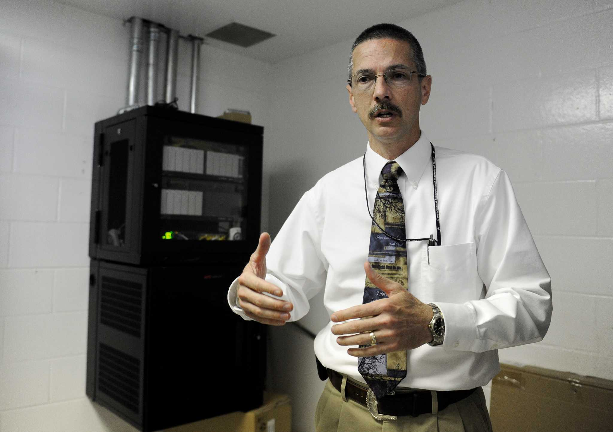 High-tech system stumps inmates with cellphones - HoustonChronicle com