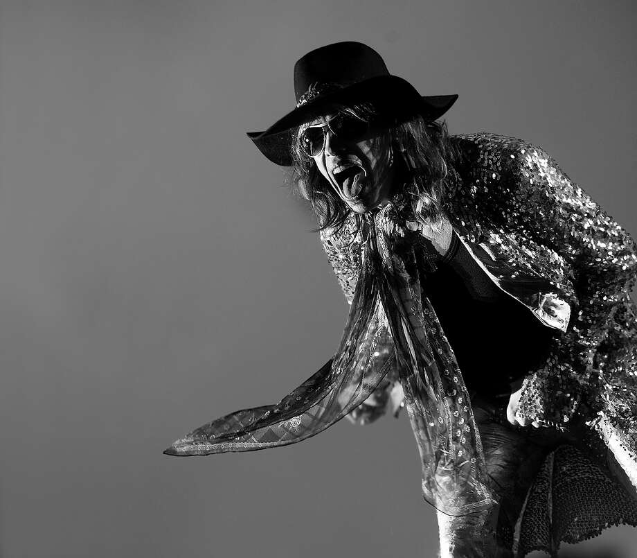 Steven Tyler of Aerosmith, live on stage at Download Festival on June 13, 2010. Photo: Classic Rock Magazine, Getty Images / 2010 Future Publishing
