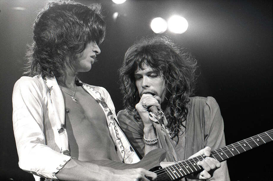 Steven Tyler and Joe Perry performing live onstage in 1975. Photo: Robert Knight Archive, Getty Images / Redferns