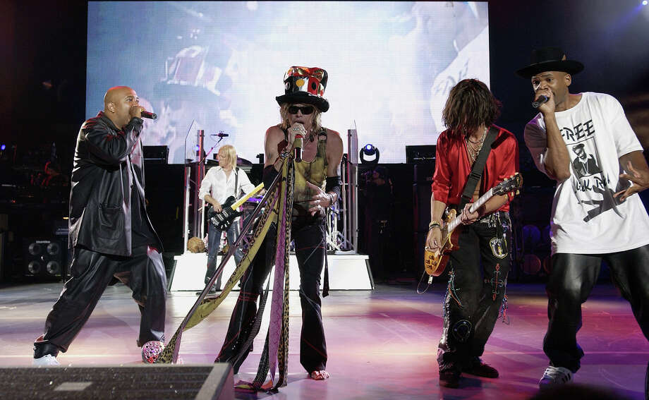 Aerosmith, Kid Rock and Run DMC at the P.N.C. Bank Art Center in Holmdel, New Jersey in 2002. Photo: KMazur, Getty Images / WireImage