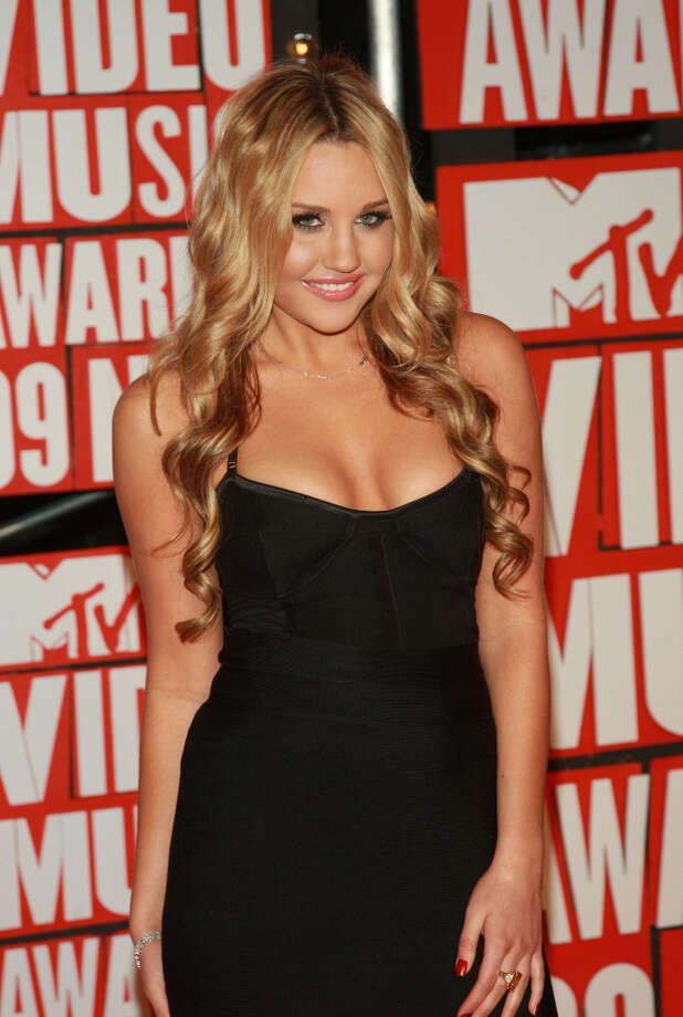 Actress Amanda Bynes arrives to the 2009 MTV Video Music Awards at Radio City Music Hall on September 13, 2009 in New York City. (suggested by drimblewedge) Photo: Stephen Lovekin, FilmMagic / 2009 FilmMagic