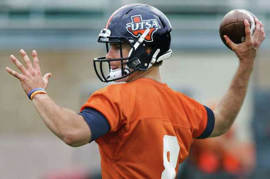 UTSA quarterback Eric Soza during a practice on Wednesday, March 20, 2013 at Farris Stadium. Photo: BOB OWEN, San Antonio Express-News / © 2012 San Antonio Express-News