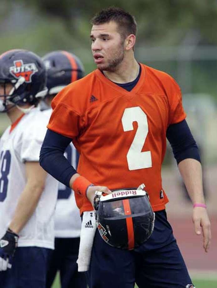UTSA quarterback Zach Conque during a practice on Wednesday, March 20, 2013 at Farris Stadium. Photo: BOB OWEN, San Antonio Express-News / © 2012 San Antonio Express-News