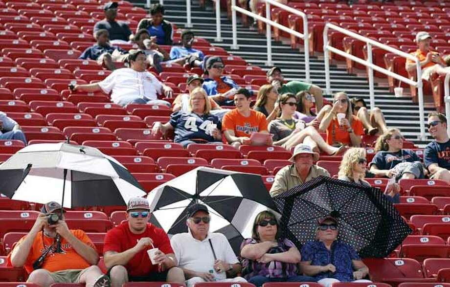 Fans watch the UTSA football scrimmage Saturday March 23, 2013 at D.W. Rutledge Stadium. Photo: Edward A. Ornelas, San Antonio Express-News / © 2013 San Antonio Express-News