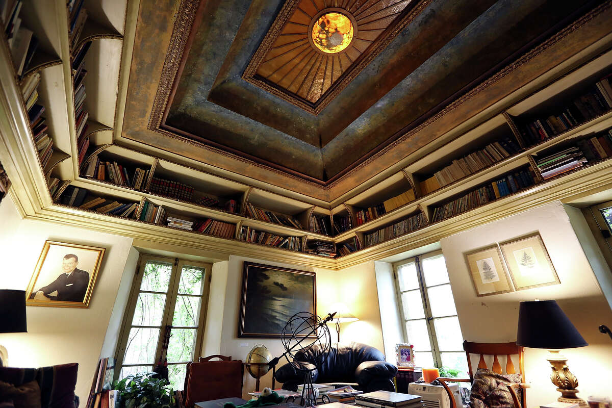 A view of the library and office in Patrice Villastrigo's home.
