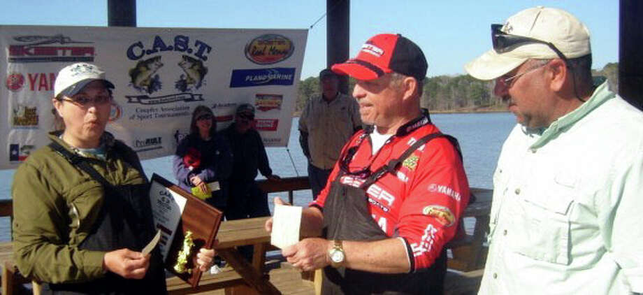 Don & Mona Manning made all of the right decisions at the right time and executed well to win 1st place with a nice bag of fish that weighed 19.16 lbs.  Their sack included the Big Bass of the tournament, a nice 6.88 pounder that Mona caught.