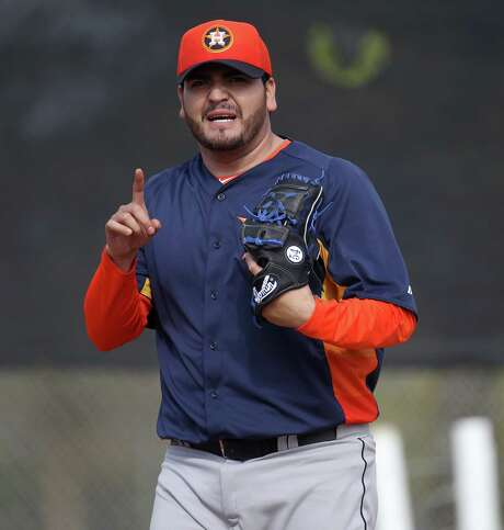Houston Astros pitcher Edgar Gonzalez (31)at the Osceola County Stadium, Tuesday, Feb. 12, 2013, in Kissimmee, as pitchers and catchers get their first official workout completed on the first day of spring training.  ( Karen Warren / Houston Chronicle ) Photo: Karen Warren, Staff / © 2013 Houston Chronicle