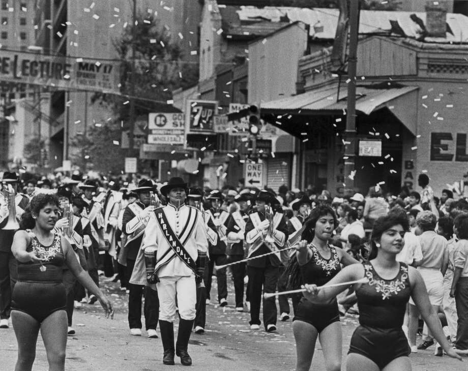 Battle of Flowers 1987: The Harlandale High School band performs. Photo: San Antonio Express-News File Photo / SAN ANTONIO EXPRESS-NEWS