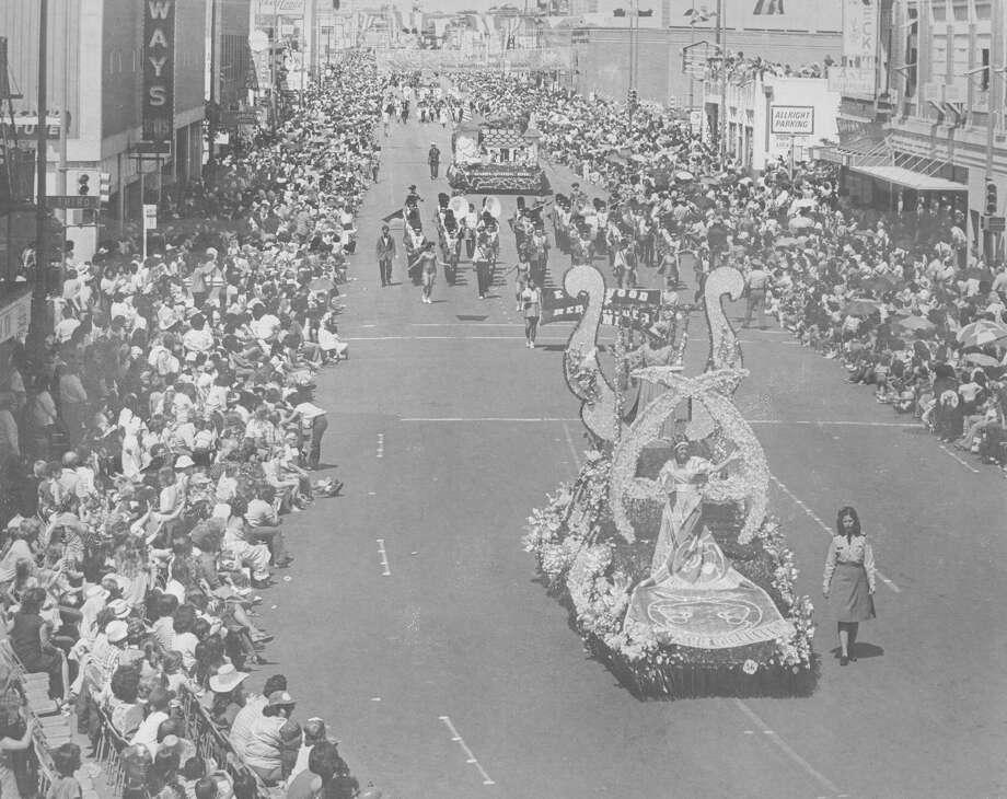 Battle of Flowers 1981 Photo: San Antonio Express-News File Photo