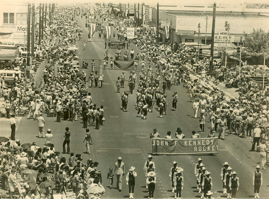 Battle of Flowers 1979: The John F. Kennedy High School band marches along Broadway Street. Photo: San Antonio Express-News File Photo