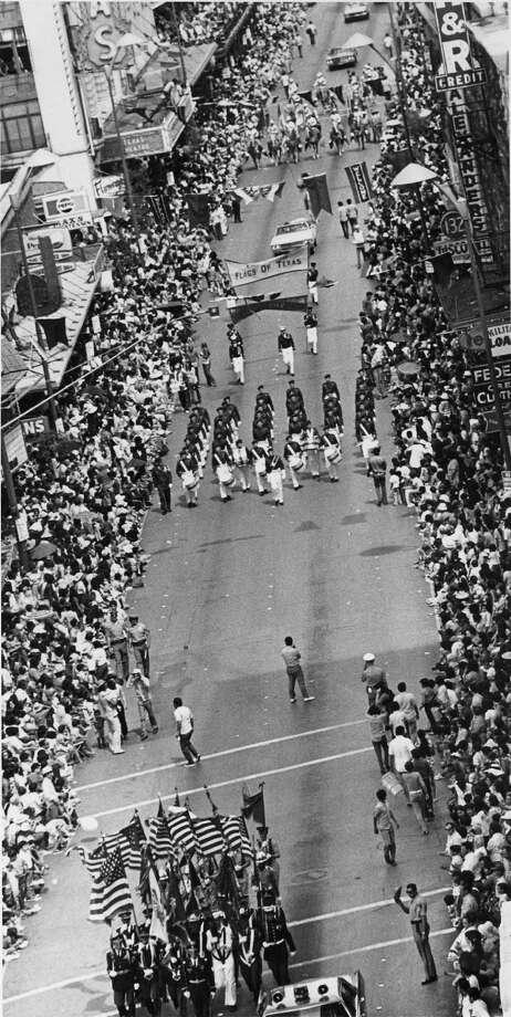 Battle of Flowers 1972 Photo: San Antonio Express-News File Photo