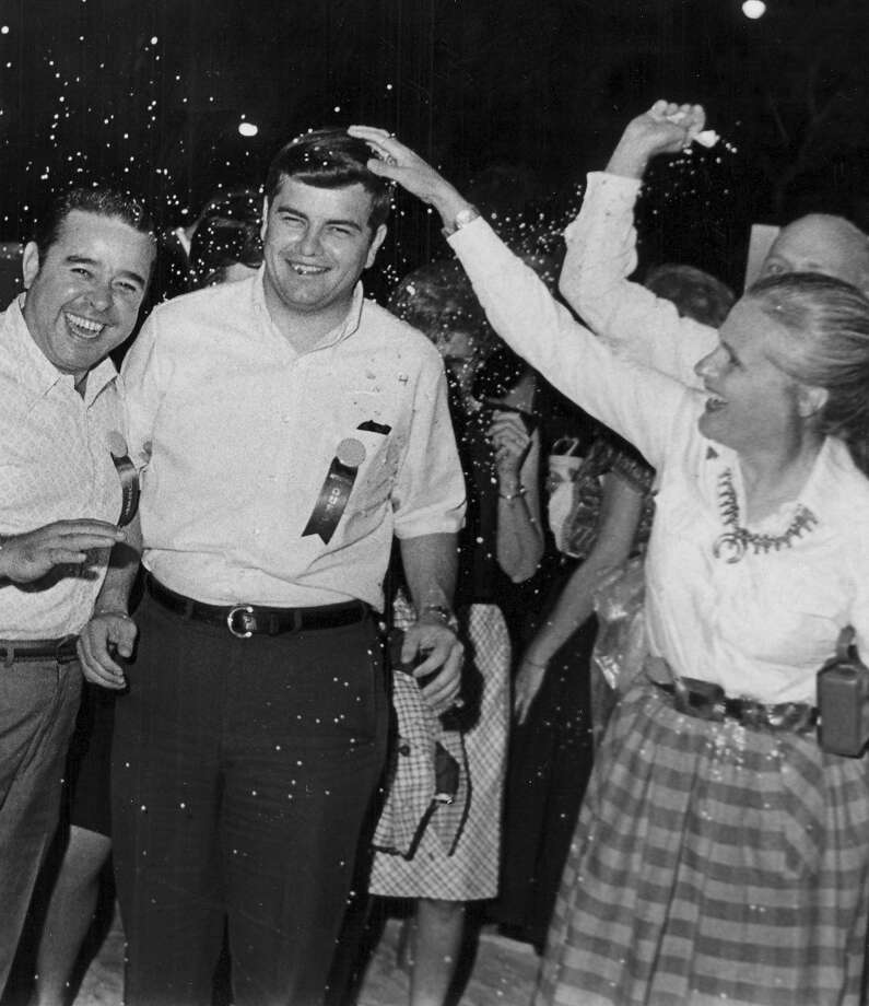 NIOSA 1969: Revelers crack cascarones on each other's heads. Photo: San Antonio Express-News File Photo