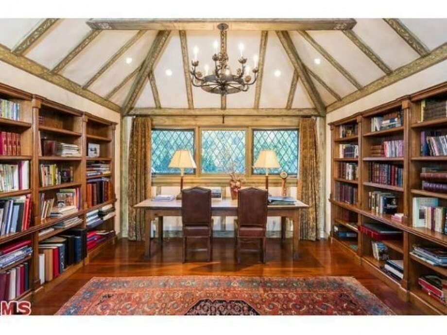 Office/library. All photos via Trulia Luxe/MLS