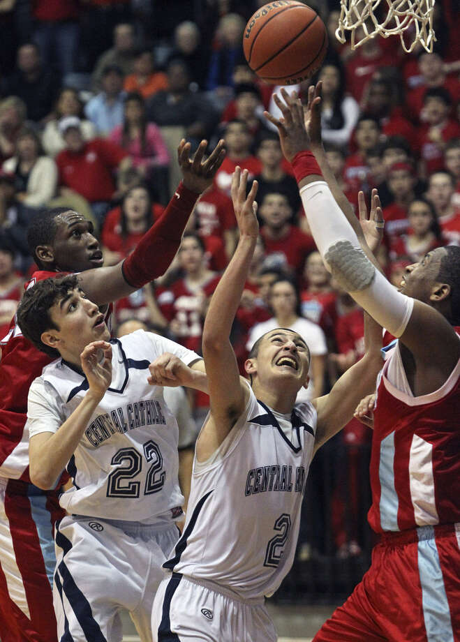 Former Reagan Rattler and Antonian Apache Darrious Hamilton (far left) is pictured during a January 2011 Antonian/Central Catholic game. Hamilton now plays for Boise State. Photo: S.A. Express-News File Photo