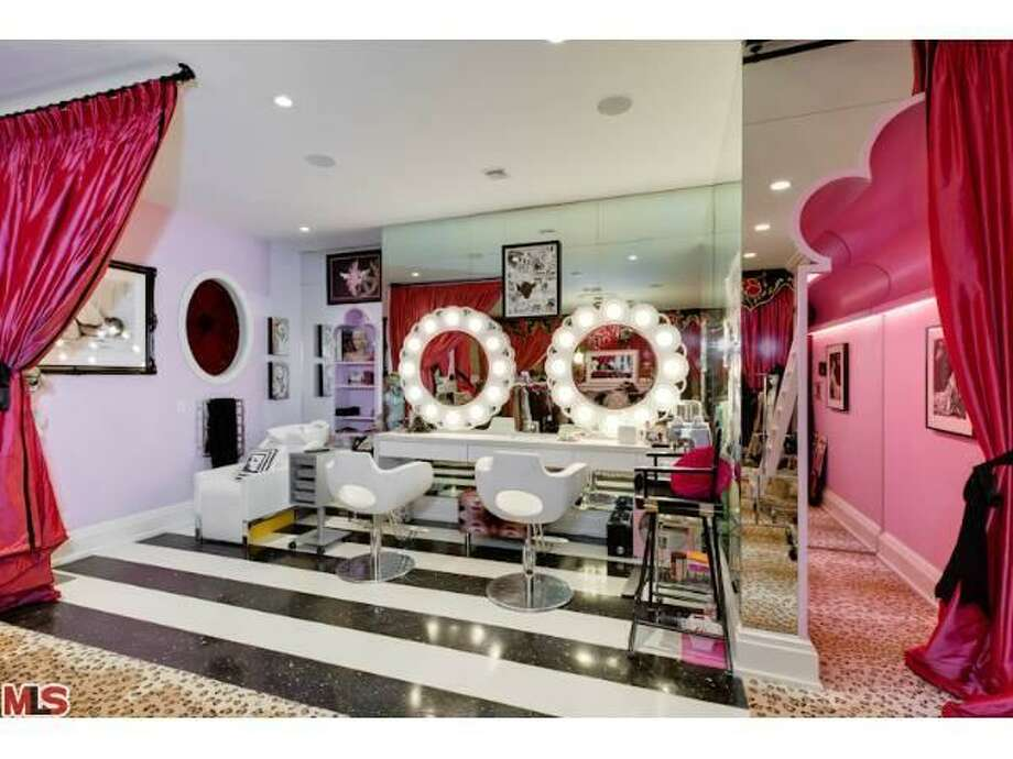 Beauty bar. All photos via MLS/Estately