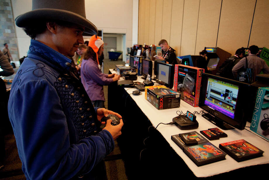 Nic Kent play Sonic on Genesis 3 at the 27th annual Game Developers Conference, held at the Moscone Center in San Francisco, in the vintage game exhibits featuring playable versions of early games on March 26th 2013. Photo: Sam Wolson, SFC / ONLINE_YES