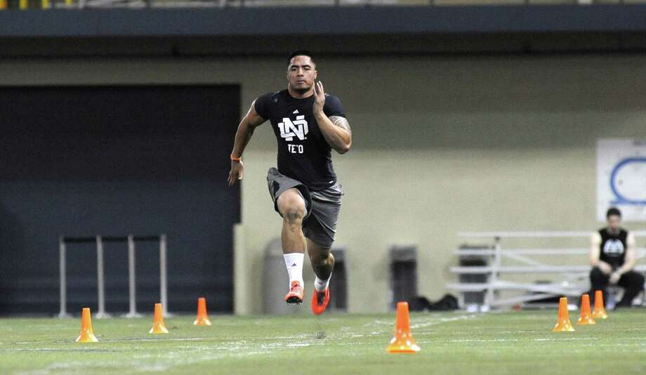 Former Notre Dame linebacker Manti Te'o was timed at 4.69 seconds in the 40-yard dash Tuesday. Photo: Joe Raymond / Associated Press