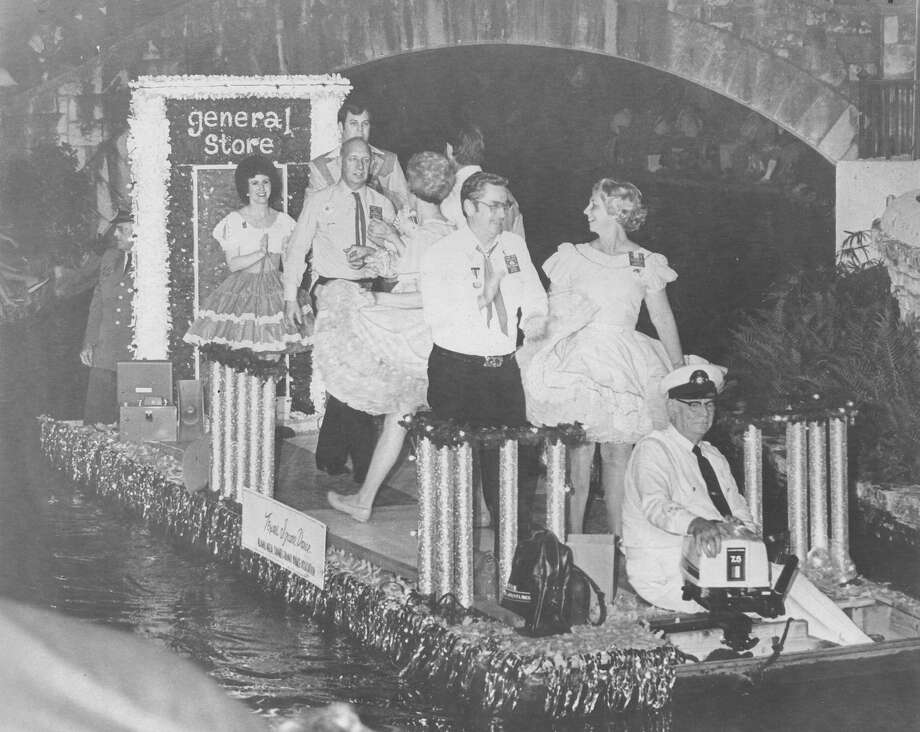 Fiesta River Parade 1982 Photo: San Antonio Express-News File Photo